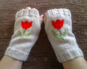 Wrist warmers - tulip flower - fingerless gloves - mittens