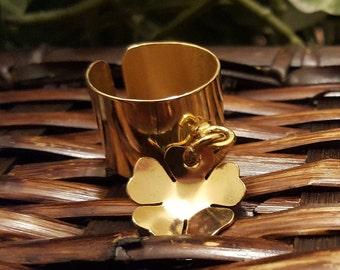 Fabiola Bastos Gold Pated Adjustable Flower Ring