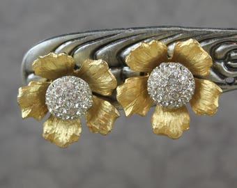 Vintage Pave Rhinestone Tembler Gold Tone Flower Clip On Earrings