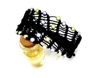 Elegant bracelet, macrame bracelet, black bracelet, textile fiber, handcrafted jewellery