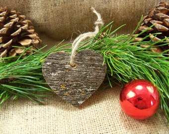 Rustic Heart Christmas Ornament. Reclaimed Wood Christmas Ornament. Barnwood Heart Ornament. Country Style Christmas Ornament.