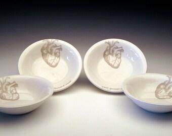 ensemble de 4 coeur anatomique DIPPING bols GHOSTIE gris