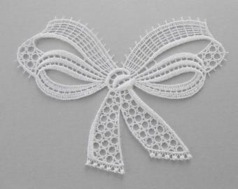 Big white bow lace