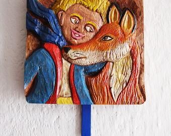 Wall coat hanger with The Little Prince wood carving/Perchero El Principito tallado en madera