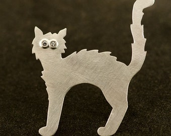 Scaredy Cat in Sterling Silver, Black Cat or Silver cat with Diamond Eyes or Without Available, Brooch #42