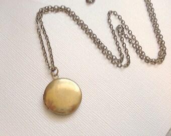 Little Brass Locket Gold Locket Necklace Round Gold Locket with Antiqued Brass Chain Gift for Her Jewelry, Keepsake Locket