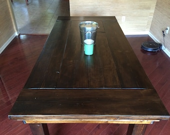 Rustic Farmhouse Style Dining Room Table