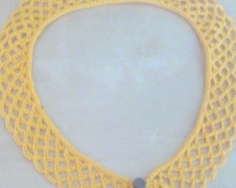 Crochet lace collar