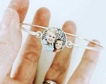 Mother's Day Gift for Nanny, Best Mom Ever Sterling Photo Bangle Bracelet, Christmas Gift Idea, beauty gift