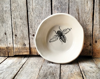 Bee Bowl Dish - Allow 2 - 3 weeks for shipping