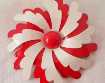 """Vintage Red & White Enamel Pinwheel Flower Brooch 2 3/4"""", Accessories, Jewelry, Collectible Brooch, Red And White"""