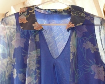 Blue Vintage WEDDING NIGHTGOWN and ROBE Set//vintage//1970's//Blue with all kinds of fine features//A beautiful Nightgown n robe set