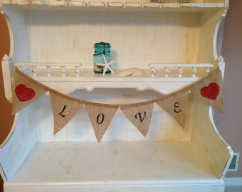 Love Wedding Burlap Bunting Banner READY TO SHIP, Natural Burlap Love Banner, Black Lettering with Red Hearts Photo Prop