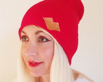 Red Beannie Hat, Gold Lips Beannie, Kiss Hat, Gold Kiss Beanie, Womens Beanie, Winter Beanie, Beannie, Red Hat with Lips, Red Beanie