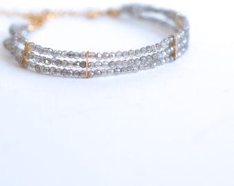Lauren - Labradorite, or 14k Gold Filled, Bracelet de trois rangs