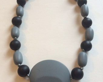 Chompy Large Oval Pendant-Gray