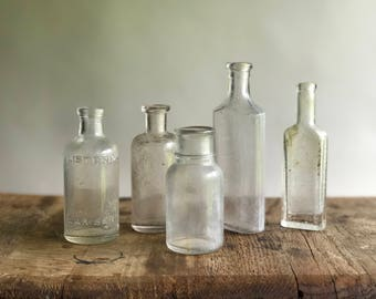 Set of 5 Clear Glass Apothecary Bottles / Glass Medicine Bottles / Apothecary Bottle Set / Apothecary Bottles Bud Vases Set of 5