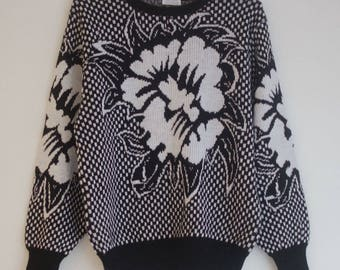 SALE Vintage 1980s black and white monochrome orchid sweater floral jumper, Medium/Large, UK 14