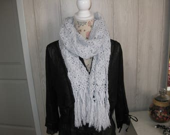 shawl crocheted with a lurex thread