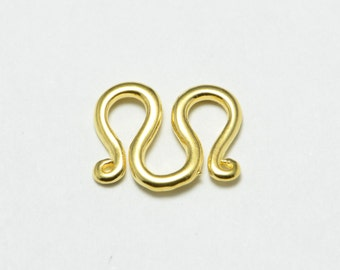 50pcs M Clasps in Gold, W Clasps, Brass, Connectors. Great Findings Supplies for Bracelets and Necklaces #SD-S7301
