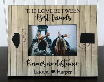 The love between best friends knows no distance // Long distance states best friend picture frame // best friend long distance gift