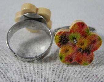 Bague040 - Bague bouton fleur en bois fleurs multicolores