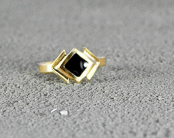 Gold Ring with Enamel Diamond Center,Urban Style,Street Chic,layered rings,urban chic, stylish ring,trendy ring,black enamel,black and gold