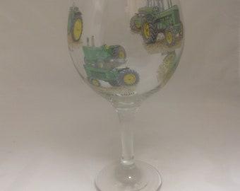 6 John Deere Tractor Designs on Large Gin Ballon Glass