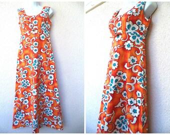 1970s Hawaiian MAXI DRESS. Hawaiian MuuMuu. Orange Hawaiian Dress. Empire Waist. Luau Party Dress. Long Hawaiian Dress. 1970s MuuMuu.