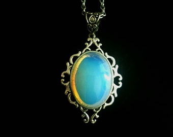 Opal/opaline/necklace woman and cabochon necklace
