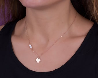 "Clover necklace / Pearl necklace / Good luck necklace, rose gold filled necklace, rose gold pearl necklace, clover necklace, ""Pothus"