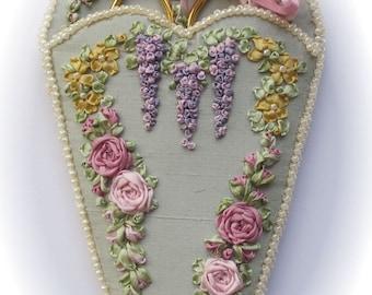 NEW! - Victorian Roses & Wisteria scissorkeeper - Silk ribbon full kit