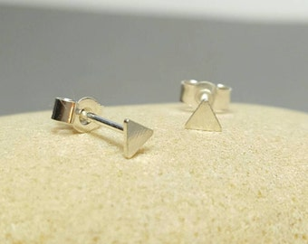 Tiny triangle stud earrings / 925 Sterling silver post / Geometric earrings / Modern triangle earrings / handmade Karmasilver UK
