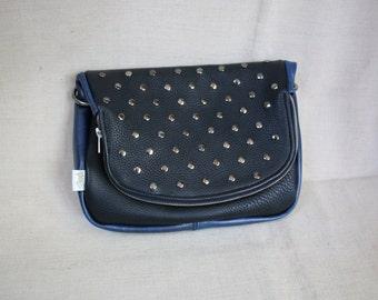 Cross body leather handbag