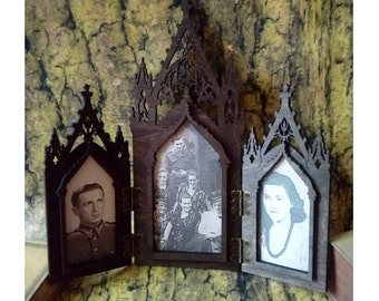 Gothic frame triptic medieval inspiration, standing wooden frame