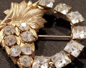 Vintage Antique Gold Tone Metal Rhinestone Flower Brooch Pin