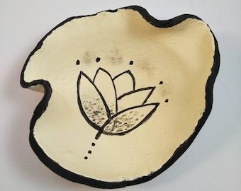 Ring Dish/ Ring Holder Dish/ Jewelry Holders/ Jewelry Dish/ Hand Painted