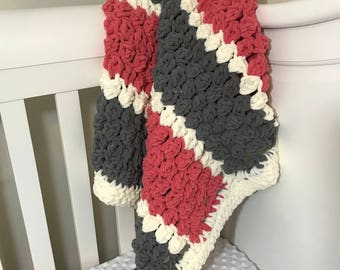 Crochet baby blanket bulky yarn, super soft and luxurious puffy baby blanket, baby girl blanket, stroller blanket, play mat, ready to ship