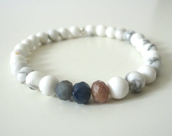 CALM - White Howlite, Ruby and Saphir Gemstone Beads Bracelet, 6mm Beads, Natural Gemstones, Silver Bead, Yoga and Healing Jewelry