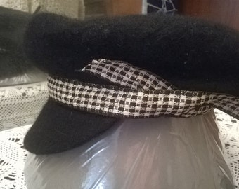 CAP, Black wool beret