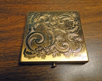 """Gorgeous Decorated Compact - Gold tone - 3 1/4"""" Square - Very Nice!"""