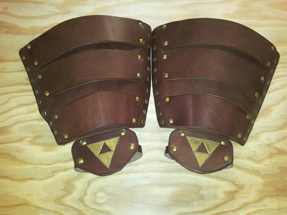Leather Armor Ocarina of Time Link Gauntlets with Triforce aYGAfePUp