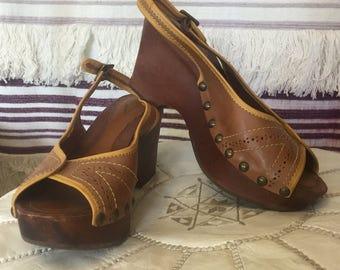 Vintage 70s wooden leather studded shoes heels sandals platforms Size 39