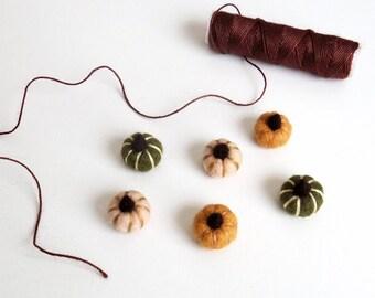 Miniature felt pumpkins : needle felted tiny pumpkin set -  persimmon orange, peach, dark forest green, fall dollhouse, Thanksgiving decor