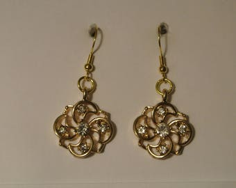 Gold Flower with Small Diamonds and Gold Fishhook