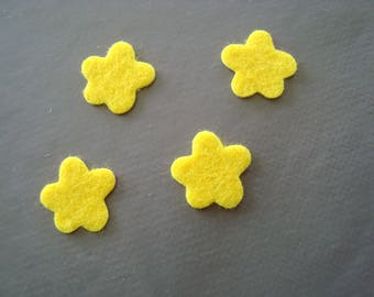 Set of 2 flowers yellow felt to stick