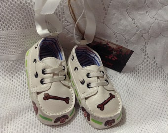 Keepsake Baby Shoes/Baby Boy/Puppies/Dog Bones/Baby Shoes/Keepsake/Ornament/Room Decoration/Brown