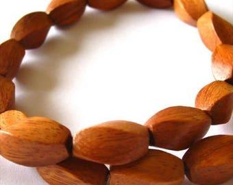 Bayong 8x15mm Twist Beads
