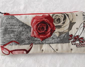 """Flat clutch in fabric """"little starlet"""" red rose, Interior in beige laminated cotton waterproof"""