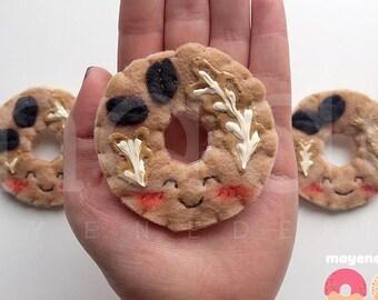 broche donut latte avec glaçure, broche de feutre alimentaire